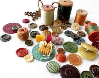 SALE - Vintage Buttons Lot - Earthy Colors - Men's Colors - Autumn Colors - Vintage Sewing Supplies - Thread Spools - Retro Seamstress Kit