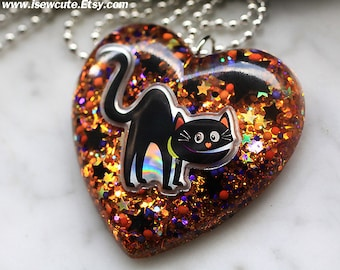 Halloween Jewelry, Black Cat Necklace, Halloween Spooky Cat Necklace, Glittery Resin Halloween Heart Pendant Necklace, Handmade by isewcute