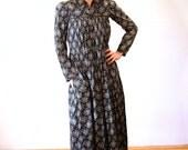 Naomi's Wish, 1870s Dress, Calico Cotton Antique Dress, Victorian Dress, Victorian Maternity Dress, Mother Hubbard Dress, S