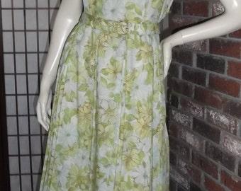1950s Crepe Dress w Belt + Metal Side Zip M Green Blue Floral Pleated Vintage 50s