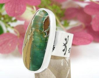 Australian Variscite Ring - Sterling Silver Variscite Ring - US size 8.5 - Variscite ring with flowers - wide band big ring - US size 8 1/2