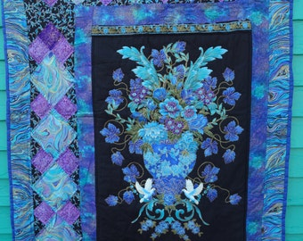 Palazzo Flowers Metallic Wallhanging/Lap Quilt