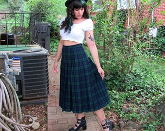 1970s Vintage Pendleton Black Watch Tartan Wool Skirt High Waisted Midi Skirt Scottish Kilt Schoolgirl Cosplay Skirt Size Small