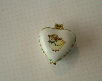 Spring Chick Heart Box