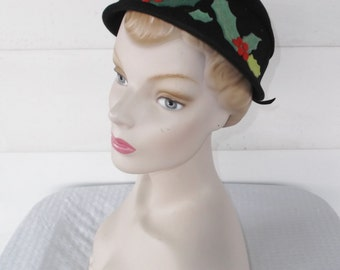 40s 50s Vintage Christmas Hat Holly and Berries Rike-Kumler Dayton