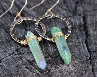Raw Crystal Earrings Hammered Hoop Earrings Hammered Brass Hoops Hoop Earrings Green Crystal Earrings Bohemian Earrings Bohemian Jewelry