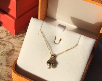 "Gold Shell with Pearl Pendant Necklace -  18"" 14k yellow gold fine rope chain"