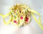 Travel  Jewelry Bag, Drawstring Pouch,  All Cotton, Lemon Background, Butterfly Motif, Bright Pink Ribbon