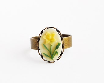 Daffodil Ring Vintage Yellow Cameo Ring Small Flower Ring Victorian Floral Cameo Ring Adjustable Ring Daffodil Jewelry