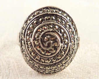 Vintage Size 6 Sterling and Marcasite Round Spiral Ring
