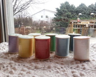 Trusew Polyester Sewing Thread Lot 8 Unused Spools  White Red Yellow Black Blue Green Violet Cream Sewing Thread