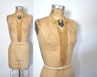 1970s Gold Necklace / Long dangle tassels