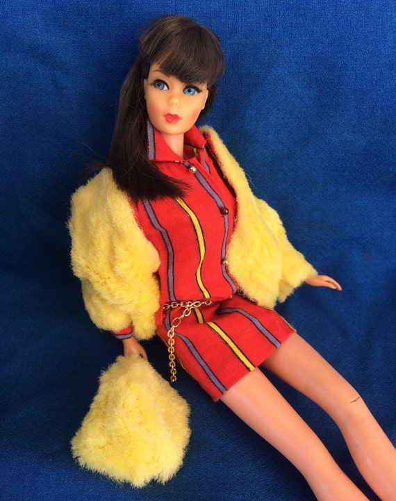 Vintage Mod Barbie Doll Twist and Turn Brunette Dressed in Smasheroo 60's Retro Fashion