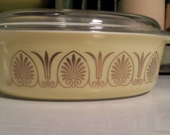 PYREX ~ 'Golden Classic' ~ Oval ~ Covered Casserole Dish ~ #045 ~ 2.5 QT. ~ Promotional Piece
