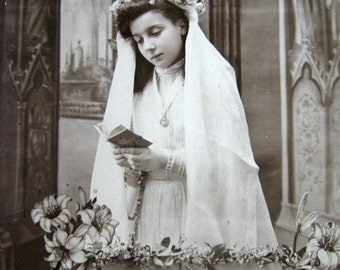 Antique First Communion photo, Antique French communion girl, Antique French photo postcard, Antique pretty girl photo postcard