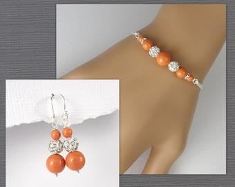 Coral Pearl Bridesmaid Bracelet Set, Orange Bridesmaid Jewelry, Bridesmaid Gift, Swarovski Coral Bracelet and Earrings, Mother of the Groom