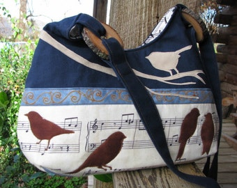 Melodious Birds/ Large inside zipper pocket / 3 large open  pockets/inside keychain