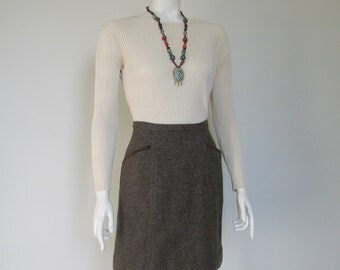 Vintage 1960s Brown and Gray Chevron Tweed Mini Skirt with Suede Trimmed Pockets S