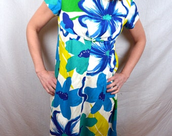 1960s Vintage Hawaiian Floral Maxi Dress by Alice Polynesian Fashions