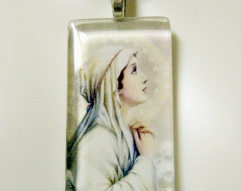 Our Lady of Mental Peace pendant with chain - GP01-334