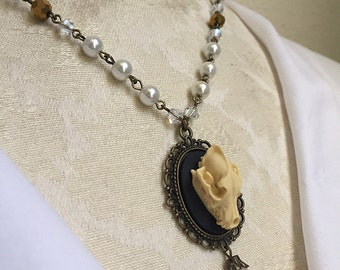 Wolf Skull White x Antique Gold Pearl Necklace