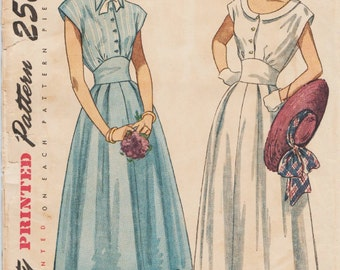 Simplicity 2506 / Vintage 1940s Sewing Pattern / Dress / Size 15 Bust 33