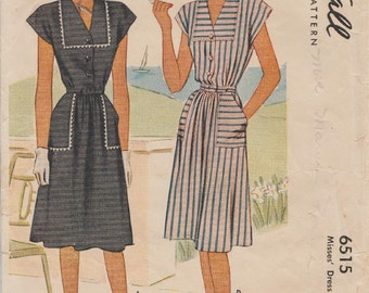 McCall 6515 / Vintage 40s Sewing Pattern / Dress / Size 18 Bust 36