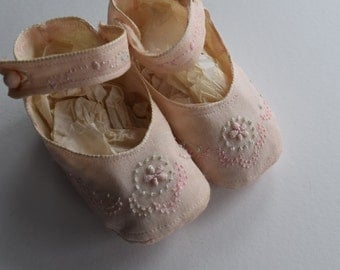 Antique SILK EMBROIDERED Baby SHOES Infant Girl Child Children Pink Aqua Blue Doll Crib Booties Embroidery French Knot Ankle Strap Button 30