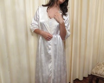 Vintage 70s Off White Floral Speckled Satin and Lace Sexy Summer Long Robe Negligee Nightgown
