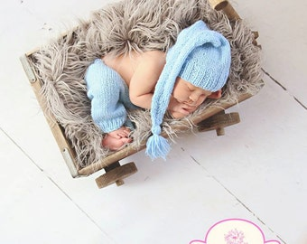 Newborn photo prop, newborn pants, newborn pants set, newborn pants and elf hat, newborn boy, newborn girl, newborn props, knit pants