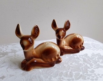 Vintage Salt Pepper Shakers Ceramic Deer Pair Set In Brown Cream, Mid Century Woodlands