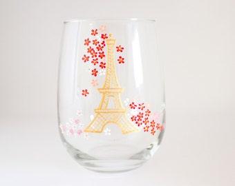 Paris Dining - Gold Eiffel Tower - Hand Painted Wine Glass - Paris Theme Party - Paris Decor - Parisian Party Favor - Gift for the Traveler