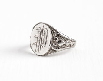 Vintage Sterling Silver Art Deco P Signet Ring - 1920s Size 7 Monogrammed Initial Swirling Repousse Jewelry