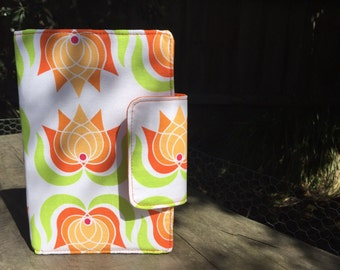 Oversized wallet with retro flowers  in orange and green