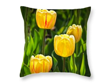 Dutch Tulip Throw Pillow Photo taken on Windmill Island in Holland MI No.301 decorative novelty pillow Home Décor cushion cover