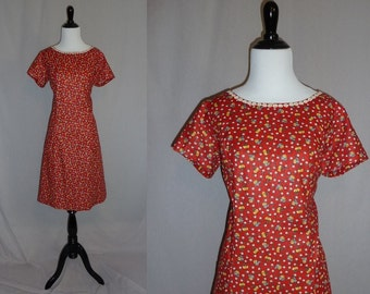 60s Red Summer Dress - Yellow Apples White Flowers - Casual Shift - Daisy Lace Trim - Vintage 1960s - M L