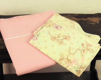 Vintage Queen Sheet Set Remixed Flat Sheet Linens Pastel Dark Pink White Trim & Beige Sage Lavender Floral Cases Bedding Shabby Cottage