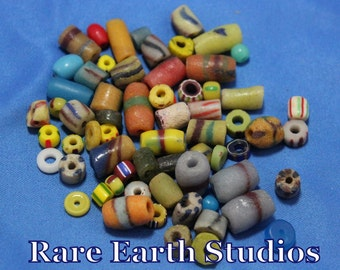 Vintage Assorted Glass Trade Beads 60516070