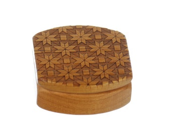 Quilt Pattern Wooden Box, Solid Cherry, Pattern MS3, Paul Szewc