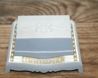 Vintage 1940s Wedding Ring Box Clam Shell Art Nouveau Revival Cream 1940s