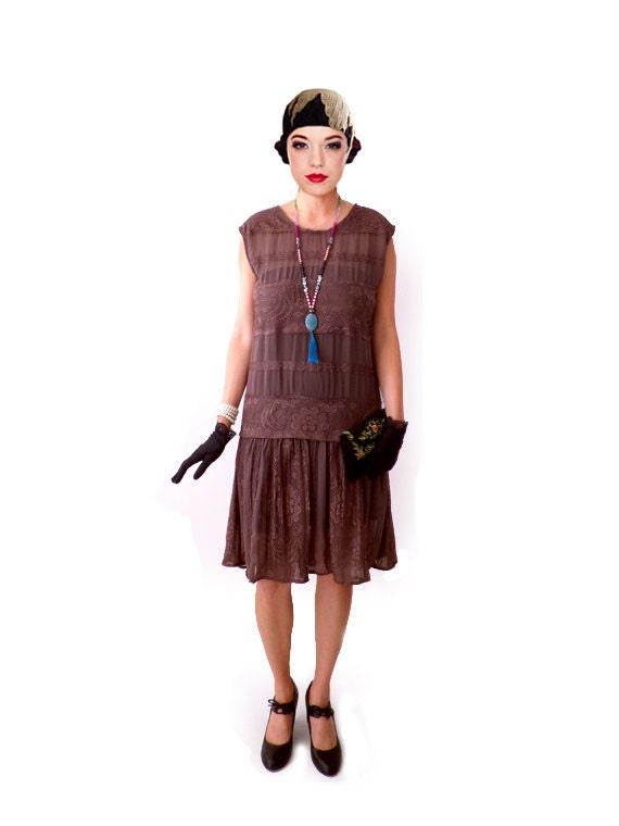 robe charleston marron brun dentelle mousseline ann e 20 ann e. Black Bedroom Furniture Sets. Home Design Ideas