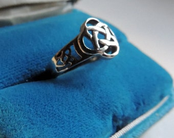 Celtic knot sterling silver ring          VJSE
