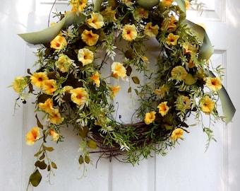 Outdoor Wreath , Summer Wreath , Summer Wreath For The Door , Petunia , Floral Wreath ,  Outdoor Wreath , Yellow Wreath
