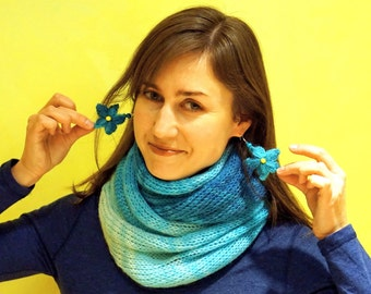 White blue turquoise knitted snood scarf legwarmer with flowery earrings from mohair