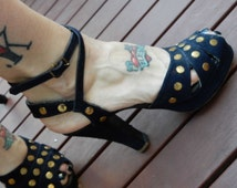 Pin Up Swing Queen 1940s Navy Suede &  Brass Nailhead Studded Platforms 7  Rockabilly Glam!