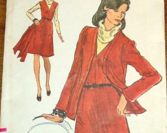 Vogue 8674 Jacket Dress, Cardigan & V-Neck A-Line Jumper, Vintage 1970s Women's Very Easy Sewing Pattern Size 10 Bust 32 Uncut Factory Folds