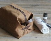 Waxed canvas toiletry bag - waxed canvas dopp kit - gift for boyfriend - gift for him - Cosmetic bag - groomsman gift - man's bag