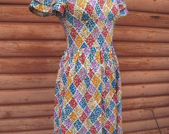 Vintage Handmade Dress with Diamond Flower Pattern
