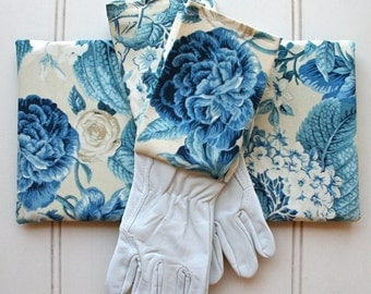 Gardeners Giftset - Leather Gloves & Kneeling Pad - in Blue Blooms, Garden Gloves, Green Thumb, Blue  Floral, Rose Print, French Blue
