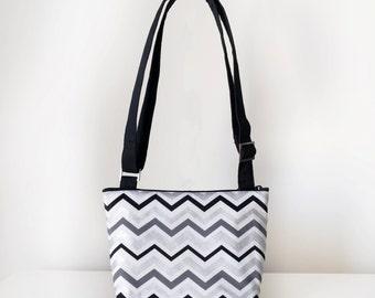 Makeforgood Cross Body Bag / Small Handbag / Shoulder Bag with Pockets and Adjustable Strap in Black Grey White Silver Chevron Print